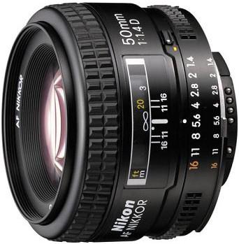 ...комплект: Nikon D80, Nikkor AF 50/1.4D, вспышка SB-400, сумка и тд.
