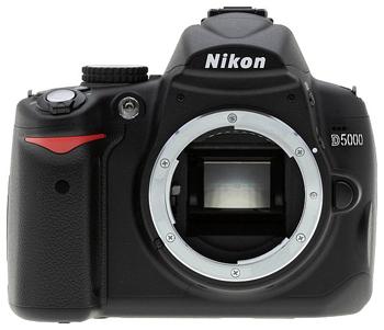 Цифровой зеркальный фотоаппарат Nikon D5000 body.