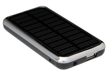 Портативная солнечная батарея для зарядки и питания мобильных телефонов.