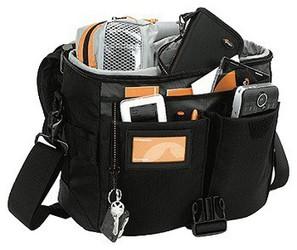 Рабочий день.  Превосходная сумка для фотожурналистов и репортеров.
