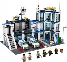 фото Конструктор LEGO City Полицейский участок 7498
