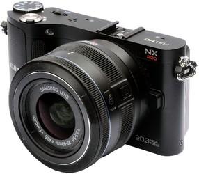 фото Цифровой фотоаппарат Samsung NX200 Kit 20-50