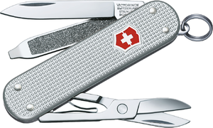 Фото швейцарского армейского ножа Victorinox Classic Alox 0.6221.26